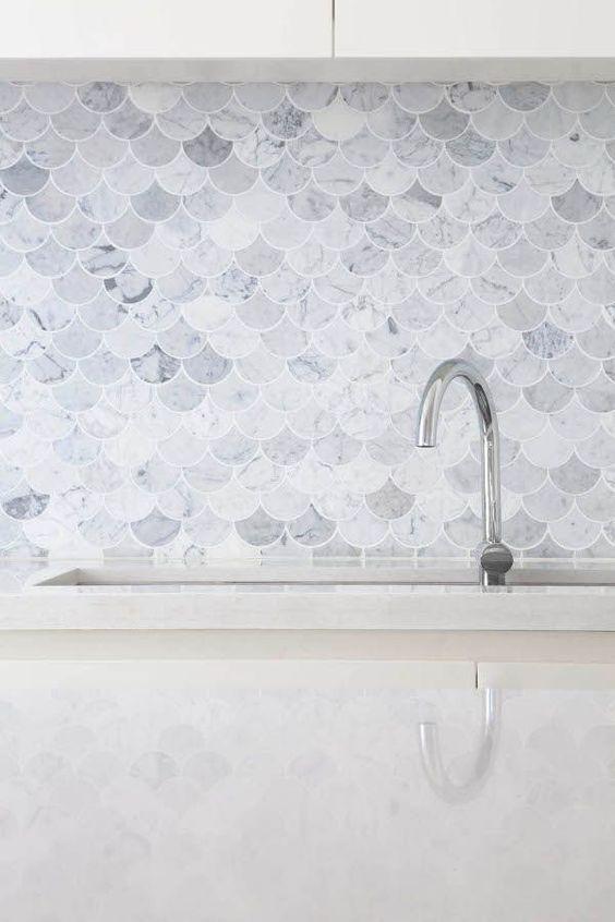 fish-scale-splashback-tiles