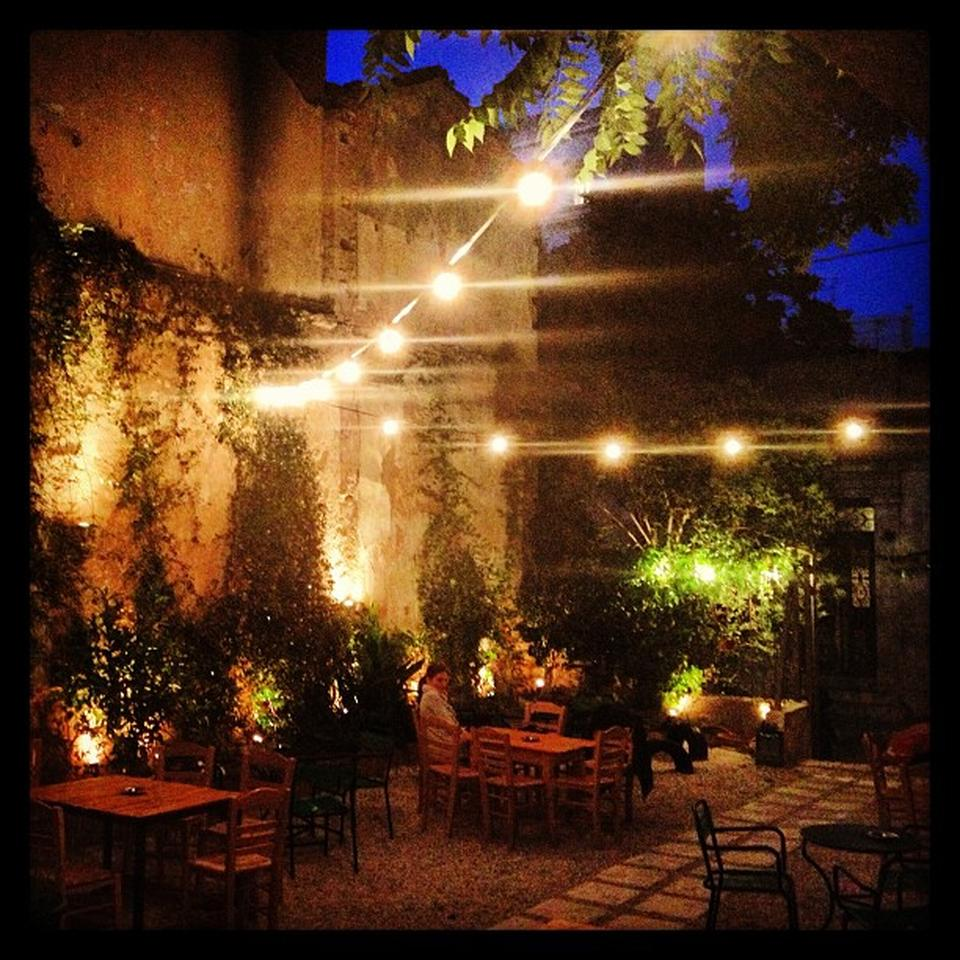 Cabezon's hidden garden ideal for ouzo! (Picture via  Foursquare )