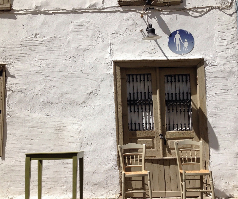 Athens' alleys around Psyri, Plaka and Monastiraki are full of beautiful surprises (Picture by Katherine Poseidon)