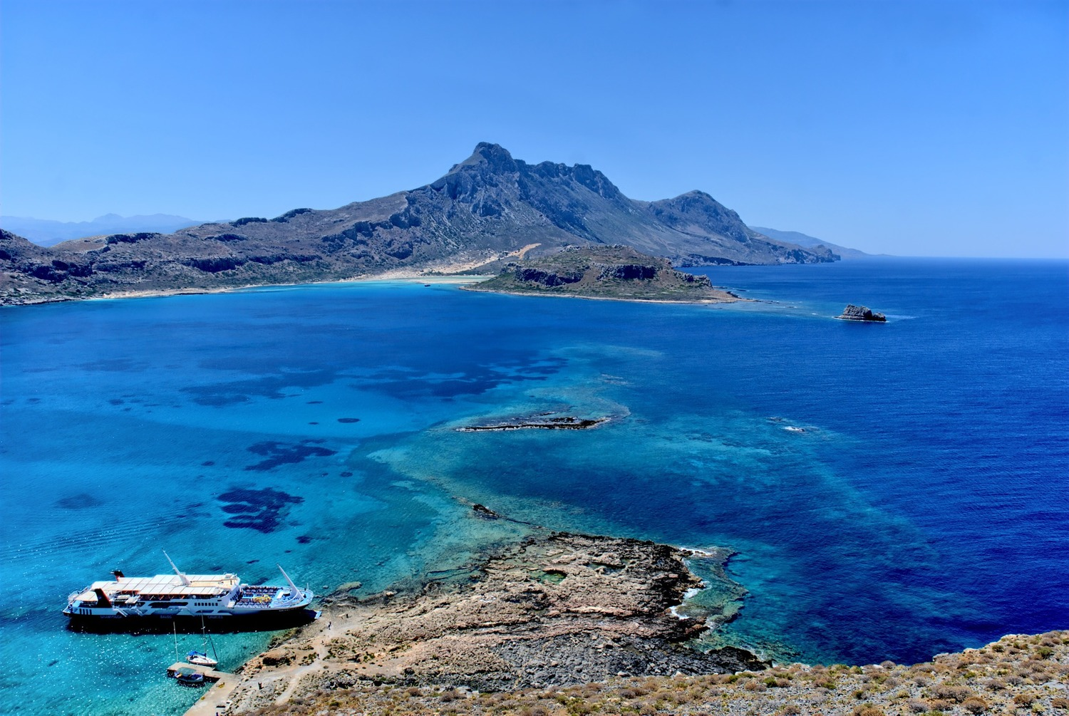 this is crete 7 reasons to visit greece s big island the travelporter