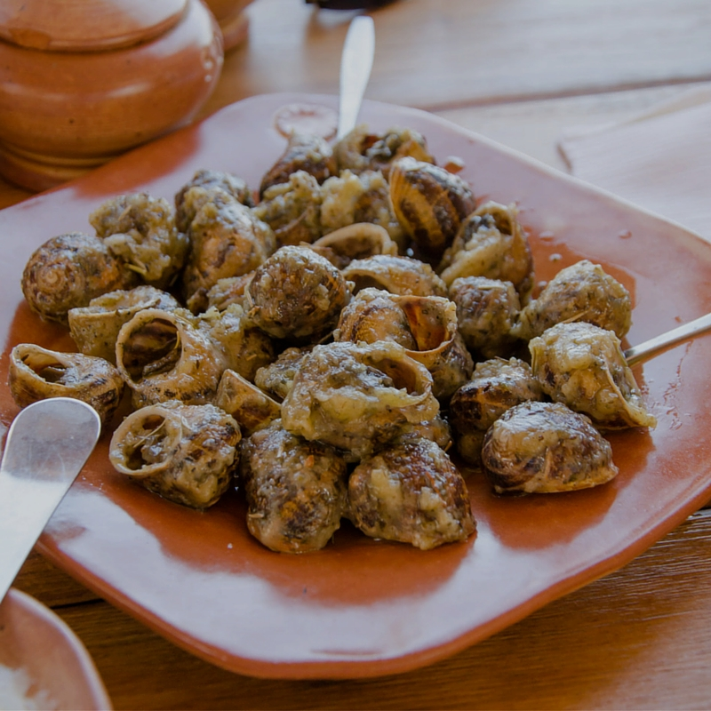 A traditional Cretan gourmet meze, snails - or in Greek 'Hochliee'. (Picture by Canonim)