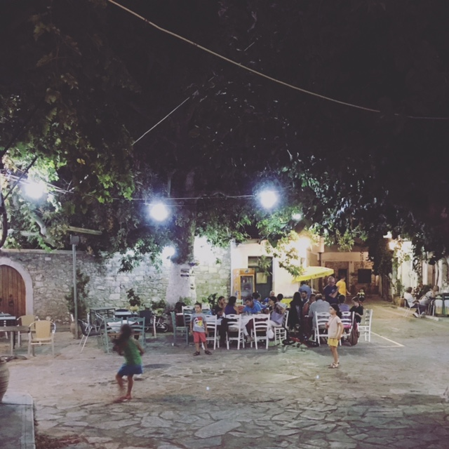 And this is 'Platanos' taverna in the centre of beautiful Fourni village (Picture by theTravelPorter)