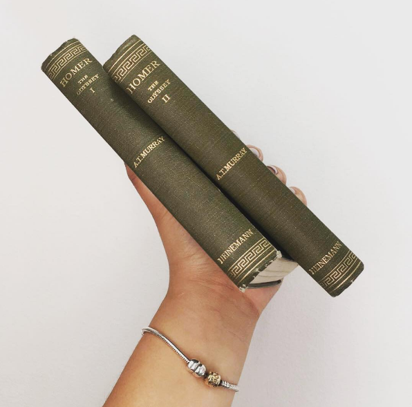 Grab a classic to immerse yourself in Ancient Greece (Picture via Instagram/ingriiidhelena)