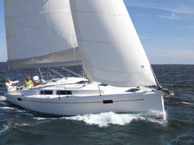 sailing trip athens hanse 385