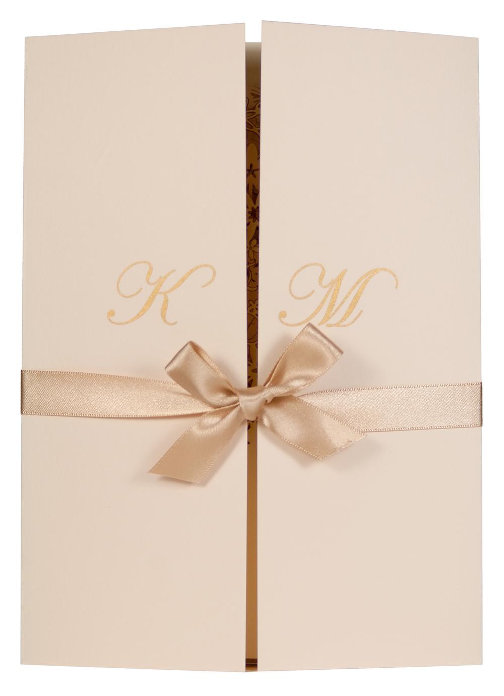 Chartula | Fairytale Bespoke Invitation Folder | Natural #LuxuryWedding #BespokeStationery #FairytaleWedding #PrincessBride | www.chartula.co.uk