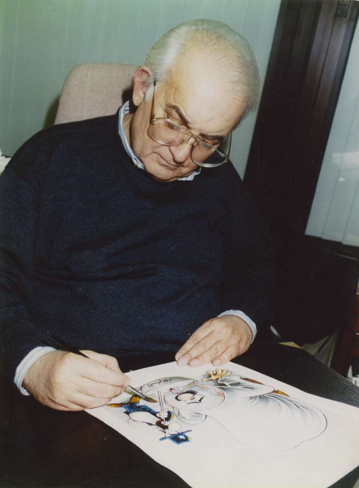 Mahmoud Kahil drawing in his office in London