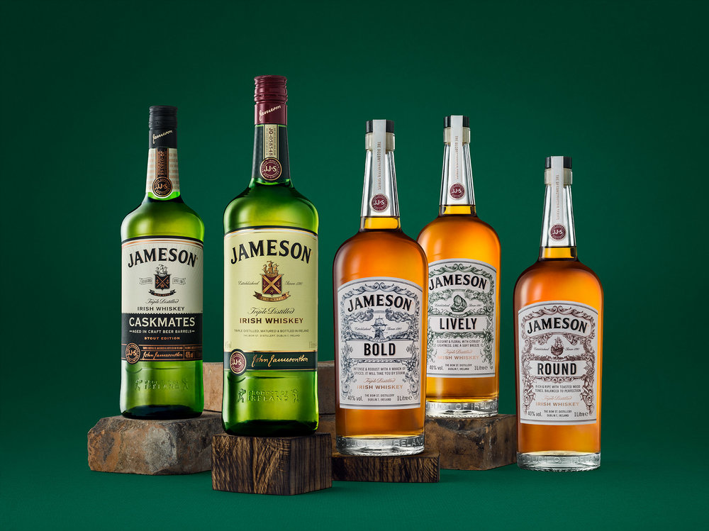 jameson_corporate_travel_retail_family_green_WEB.jpg