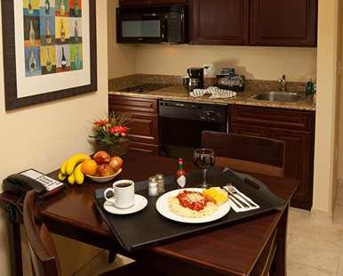 MCOVSHW_Homewood_Suites_by_Hilton_Lake_Buena_Vista-Orlando_room_type_KSTS_2_2.jpg