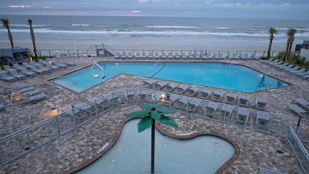 Pool Loungers 2.jpg