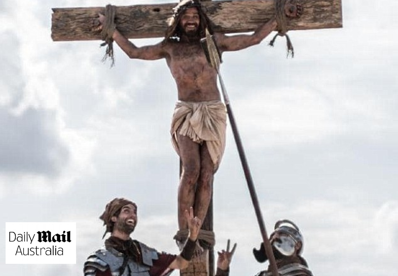 A controversial advert which shows Jesus Christ agreeing to become an organ donor has infuriated a Muslim leader and divided opinion online.  The two-and-a-half minute advert shows two armed guards asking Jesus if he would like to donate his organs after being nailed to the cross before his death.
