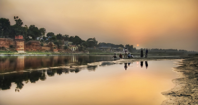 iindia :      The Rest of the India Story  (by  Trey Ratcliff )     I look at photos of India and dream.  One day.