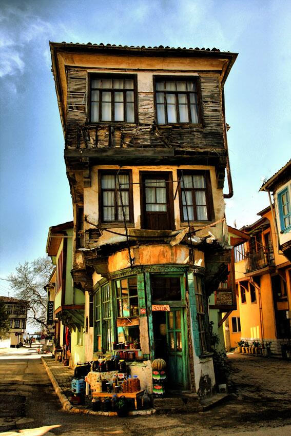 theworldwelivein :     Old house - Istambul, Turkey, Middle East ©  deniz senyesil