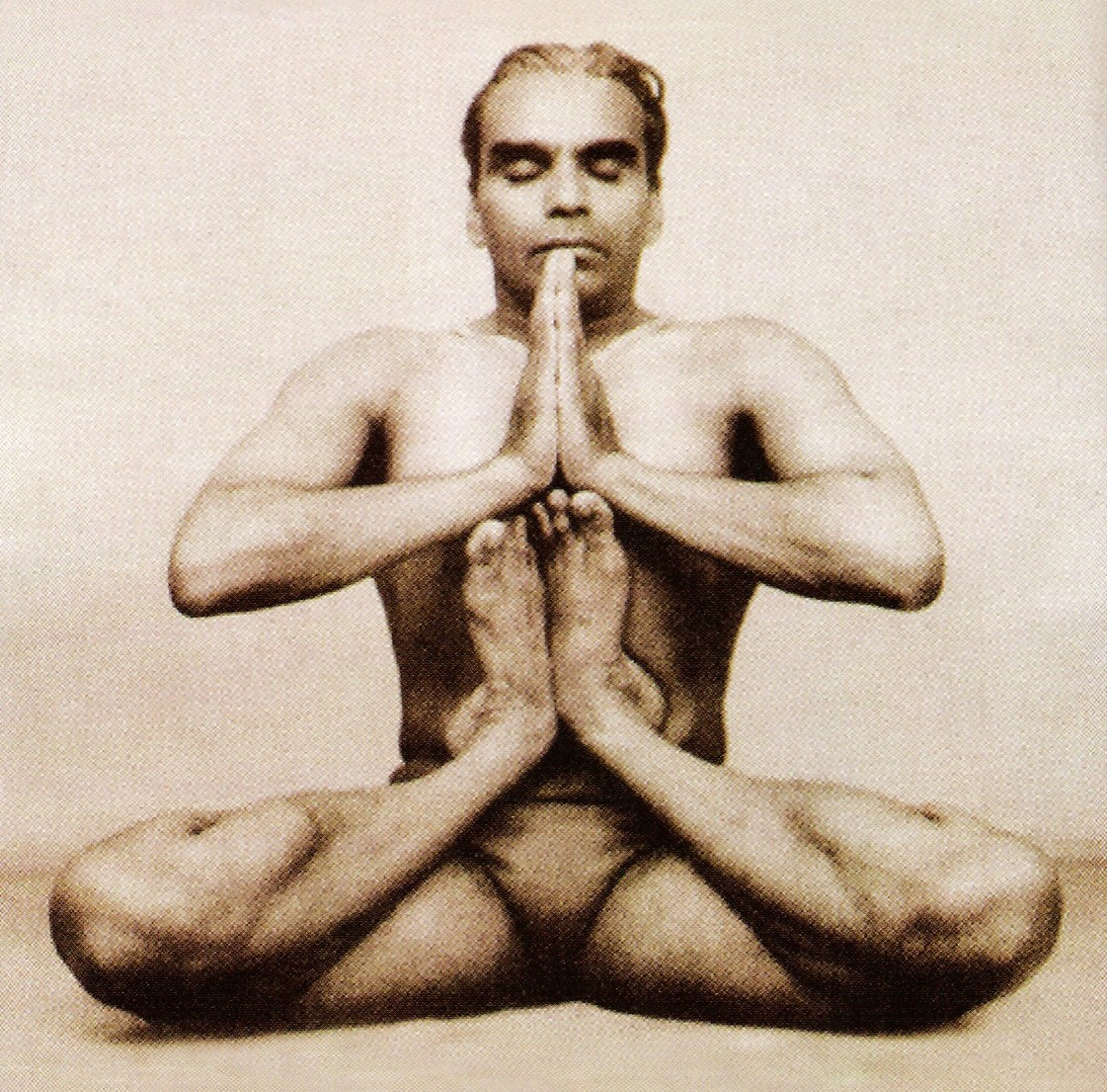 i12bent :     Today, December 14 is the day of the astrologers, star gazers and prophet masters:    Master yogi BKS Iyengar is an agile 92 years old today!