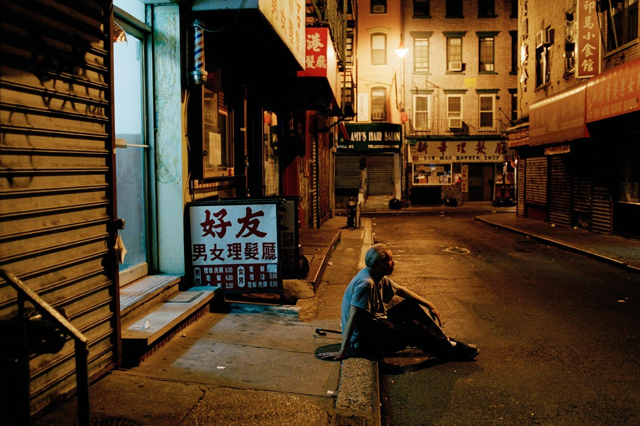 cornersoftheworld :      China Town, New York City   by   stevemccurry