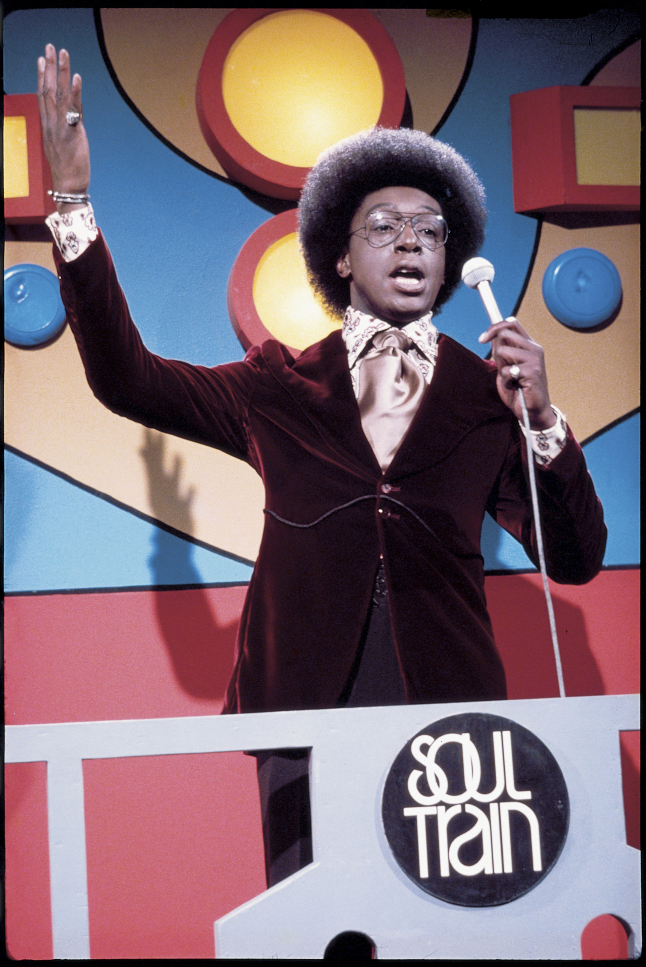 #RIP Don Cornelius #SOULTRAIN   your show spread music and dance all across america…  inspiring many including my teachers.