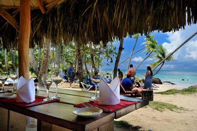 atlantis-restaurant-playa-bonita-las-terrenas-01.jpg