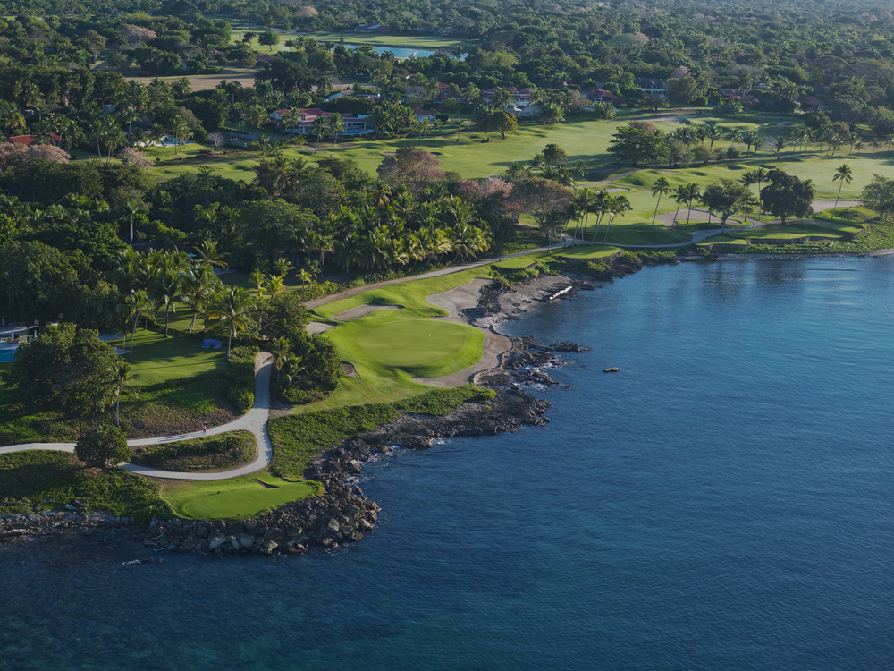 CasadeCampo_TeethoftheDog-hole7-low res.jpg