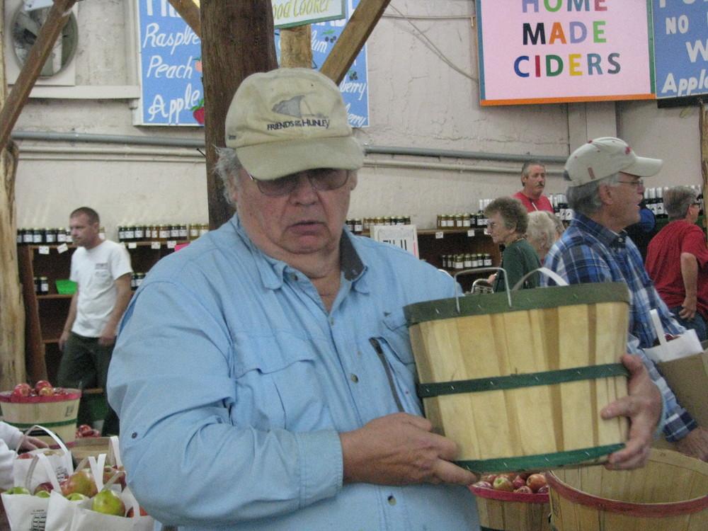 Carver Orchards 10-20-15 126.JPG