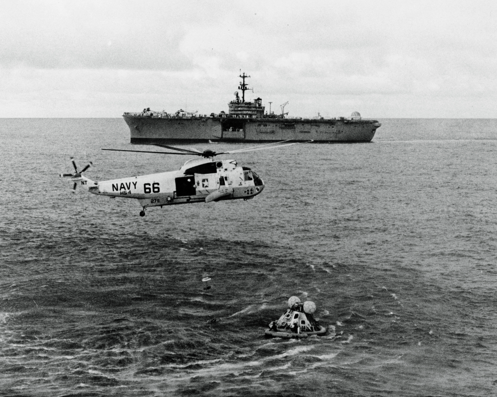 ap13-70-H-652HR_Apollo13.jpg