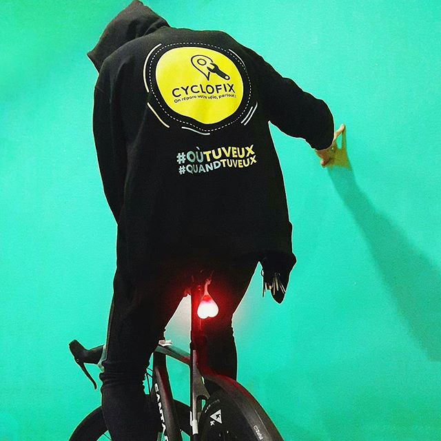 Repost from @cyclofix -  Cyclofix le service qui en a ! Cyclofix got balls, @bikeballs !  Bientôt à gagner sur notre page Facebook les gramers ;) #reparation #stock #bikestock #bike #startup #bicycle #biketravel #bikerepairing #picoftheday #working #work #startup #parisvelo #parisavelo #paris #cyclofix #paris #grenoble #strasbourg #bordeaux #lille #maintenance #bikeballs #bordeaux #cyclisme