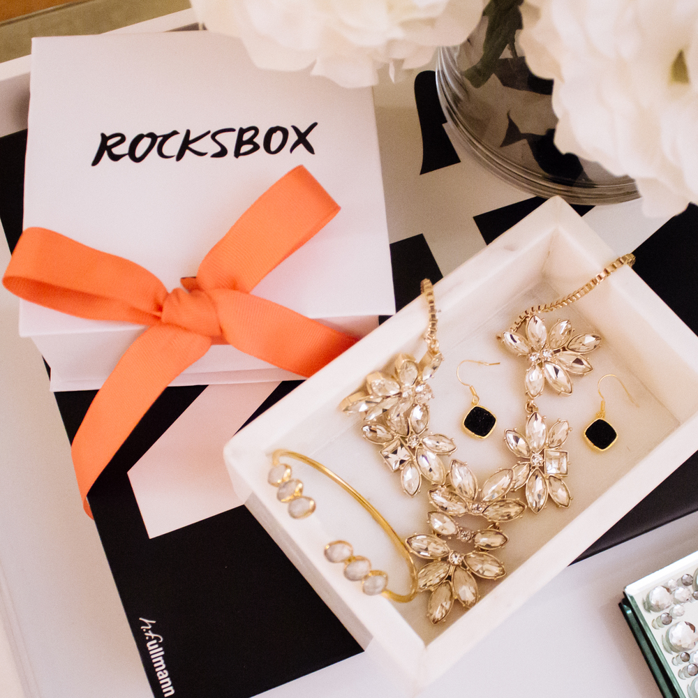 rocksbox is a wonderful way to sample an array of high-quality designer jewelry without having to spend a fortune! Don't like it? you can send it back and exchange them for new pieces. you can even keep them for as long as you'd like. I love the idea, and hope that more stores will implement this option for people who love luxury goods but don't desire to bear the financial burden of a purchase. what are you waiting for? get your free month of rocksbox delivered to your mailbox free of charge when you use the code: lycheestylexoxo (no caps!) at checkout! VIsit rocksbox.com to start selecting your pieces!