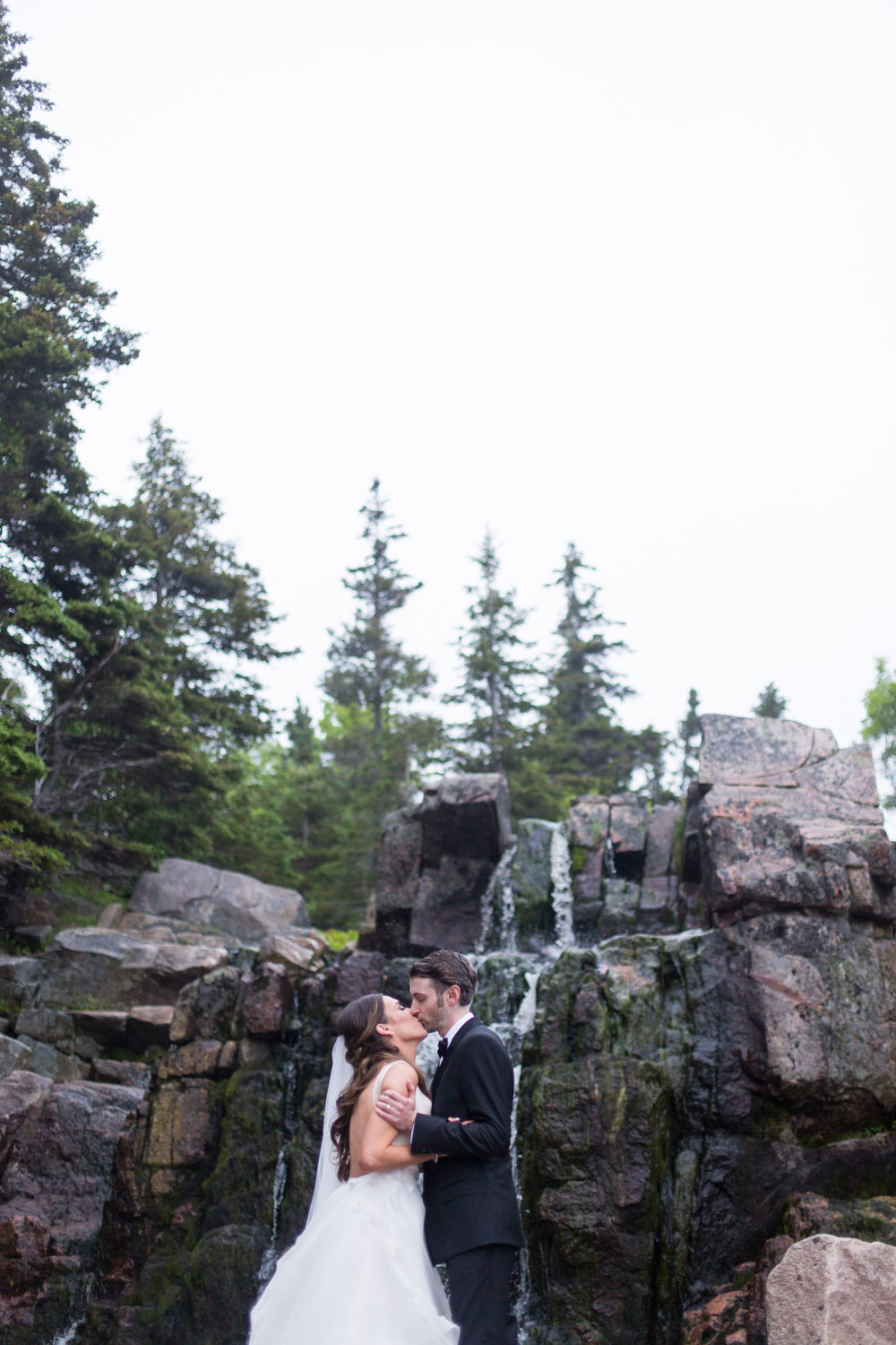 475-halifax-waterfall-wedding--.jpg