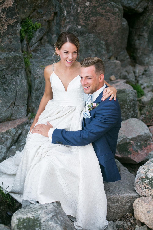 089-nova-scotia-waterfall-wedding.jpg