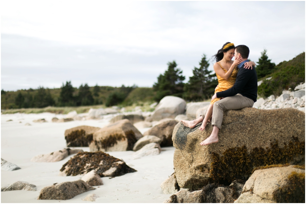 Crystal-Crescent-Beach-Engagement-Session-Chantal-Routhier-Photography_0002.jpg
