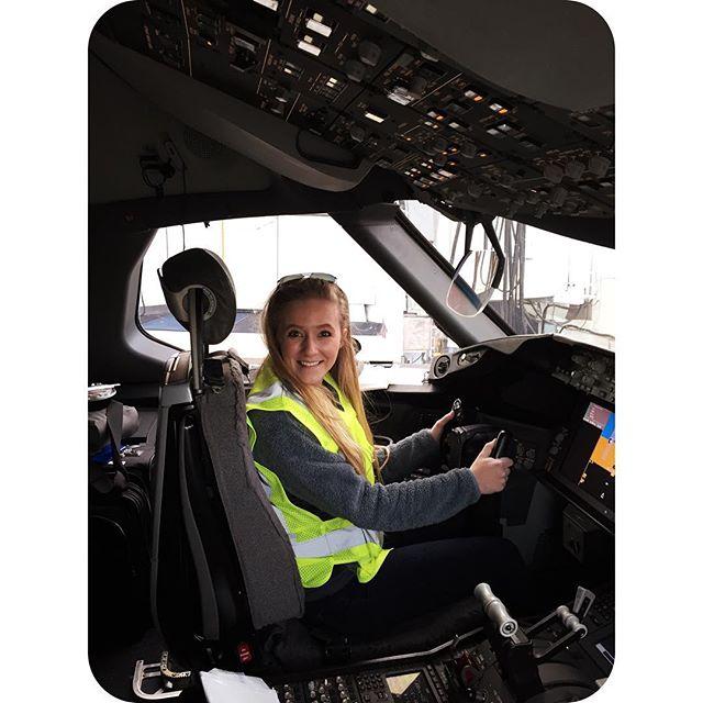 """""""Ladies and gentlemen, this is your captain speaking.."""" ✈️✈️✈️✈️✈️✈️✈️✈️✈️✈️ #dreamliner #787dreamliner #boeing #flythefriendlyskies #hemisphere #weareunited #traveljunkie"""