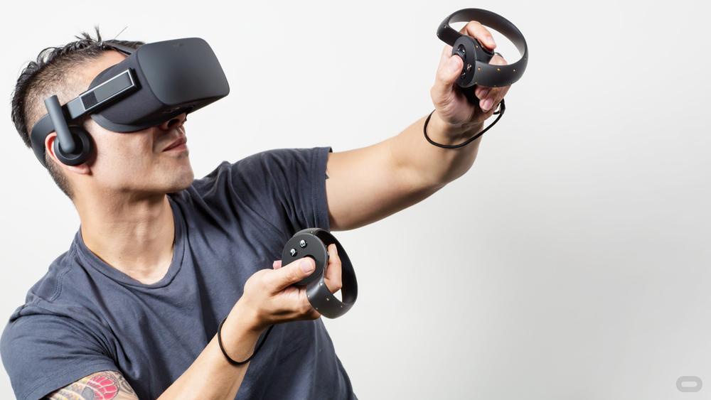 1434066226-oculus-touch-2.jpg