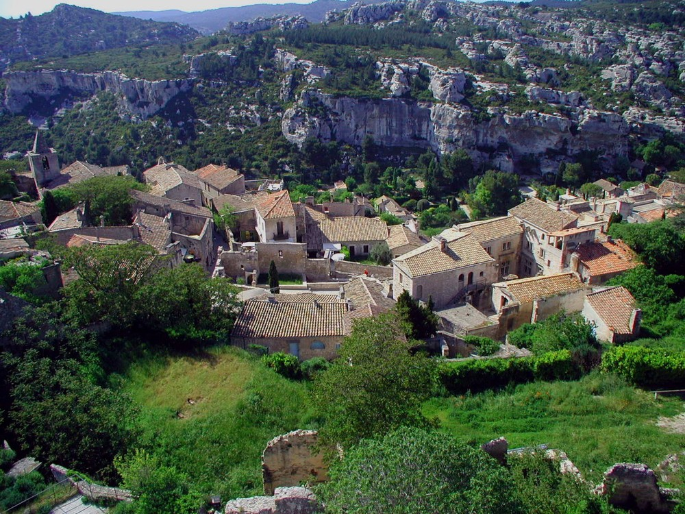 Les Baux village from top.jpg