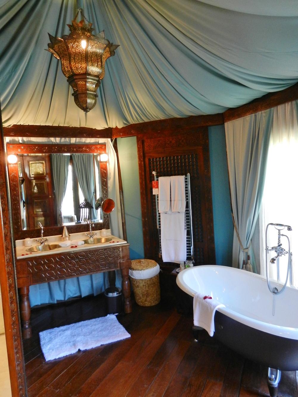 Kasbah Tamadot bathroom.JPG