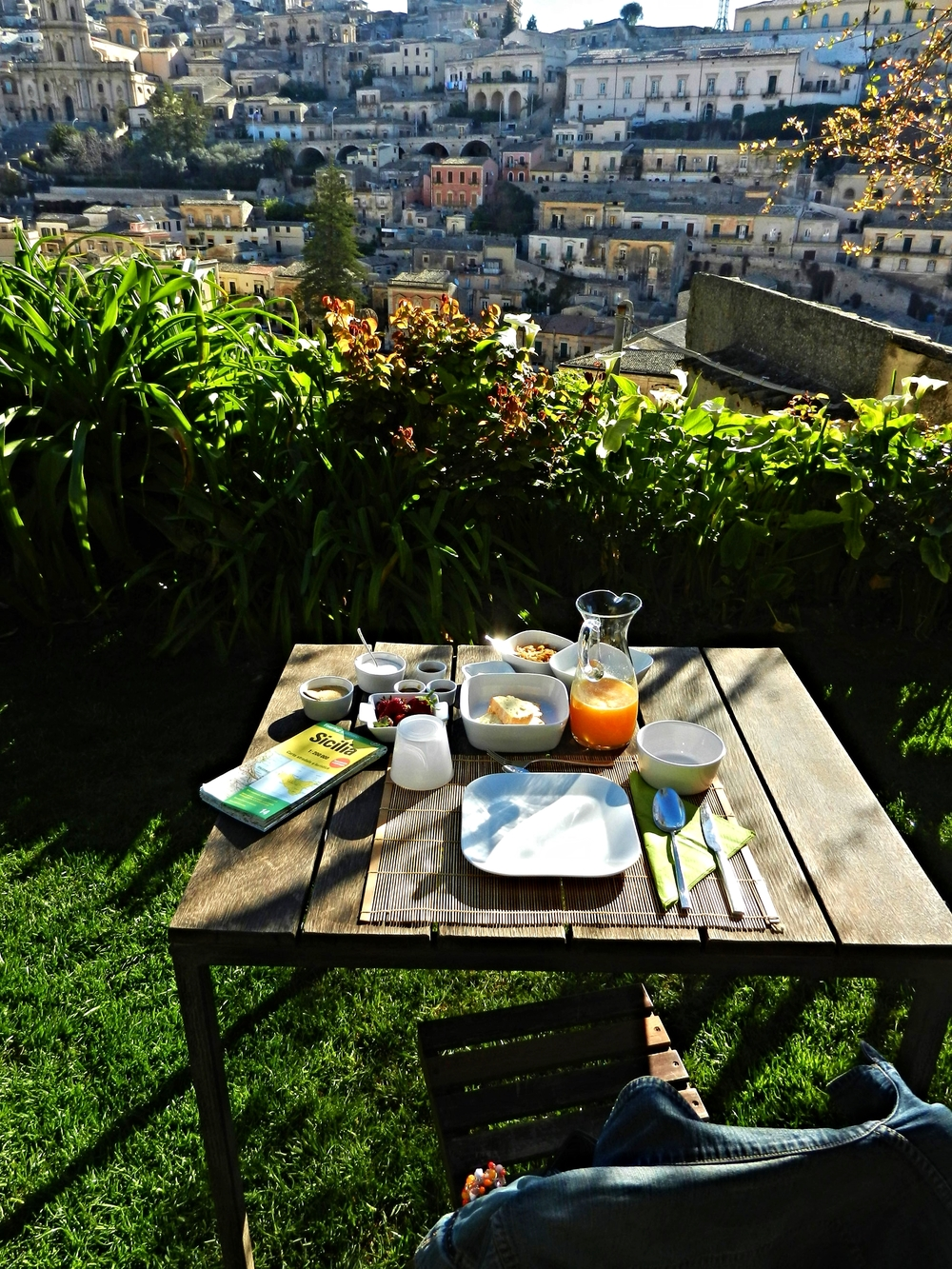 Breakfast with a view at Casa Talia, Modena