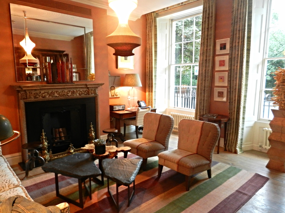 The sitting room of Dorset Square, London.