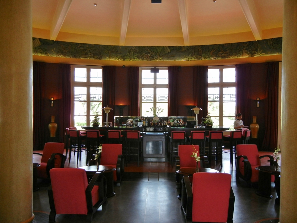 A drink in the Art Deco bar at the La Residence Hotel, Hue