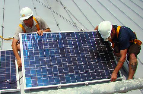 solar_panel_roof_install