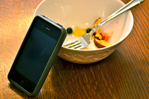 Can mobile apps reduce food waste? Maybe