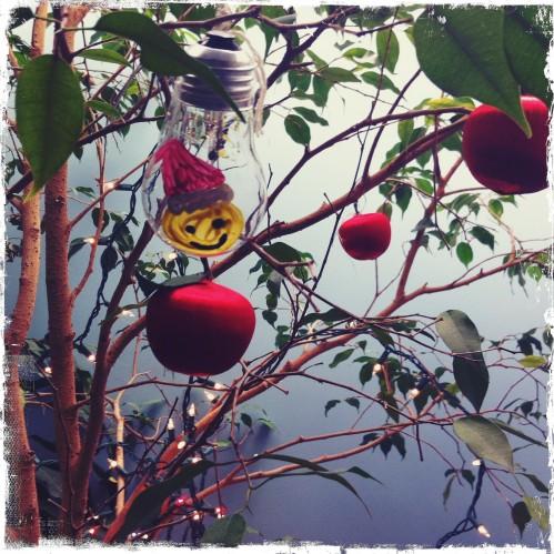bl_lightbulb_ornament1