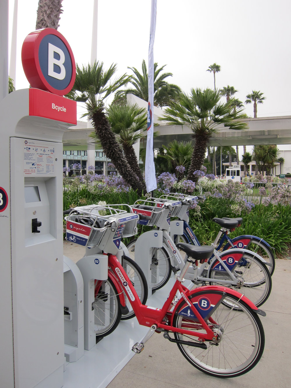 blog_bike_share_bike_station2.jpg