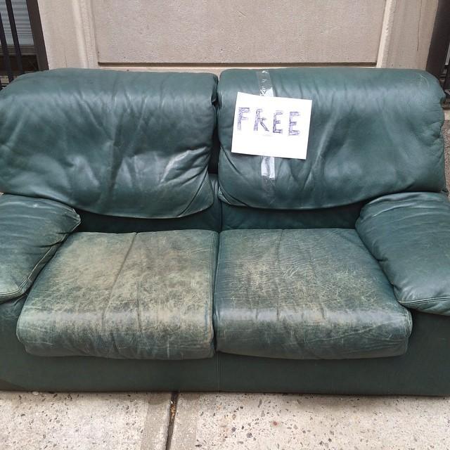 How generous. #randomactsofkindness #nyc #furniture