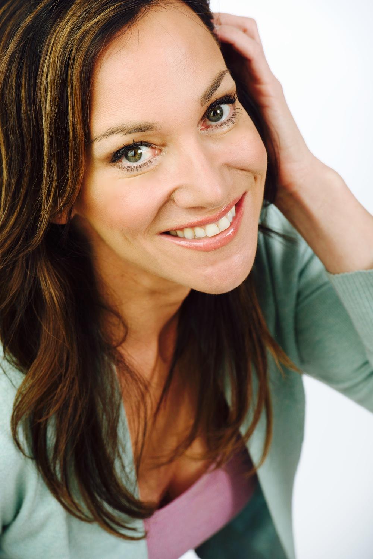 Headshot-Laurie Burke.jpg