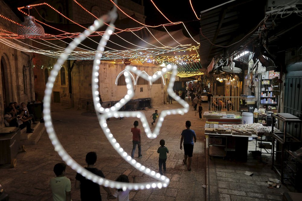 Ramadan preparations in Jerusalem's Old City (photo from Haaretz)