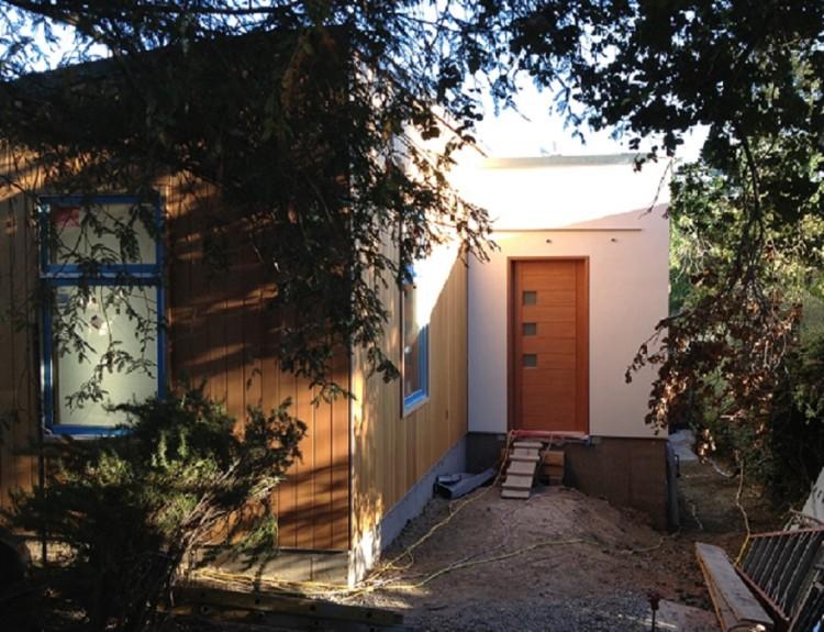 12.-front-door-exterior-750x575.jpg