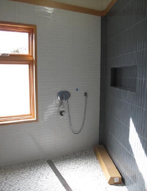 04.-master-bath.jpg