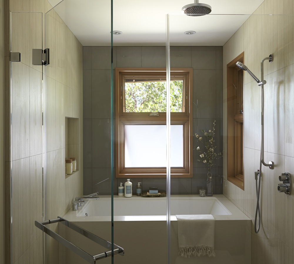 10.Bathroom FIX1.jpg