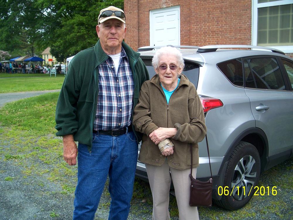 Ed Perkins-Joyce Dow '51.jpg