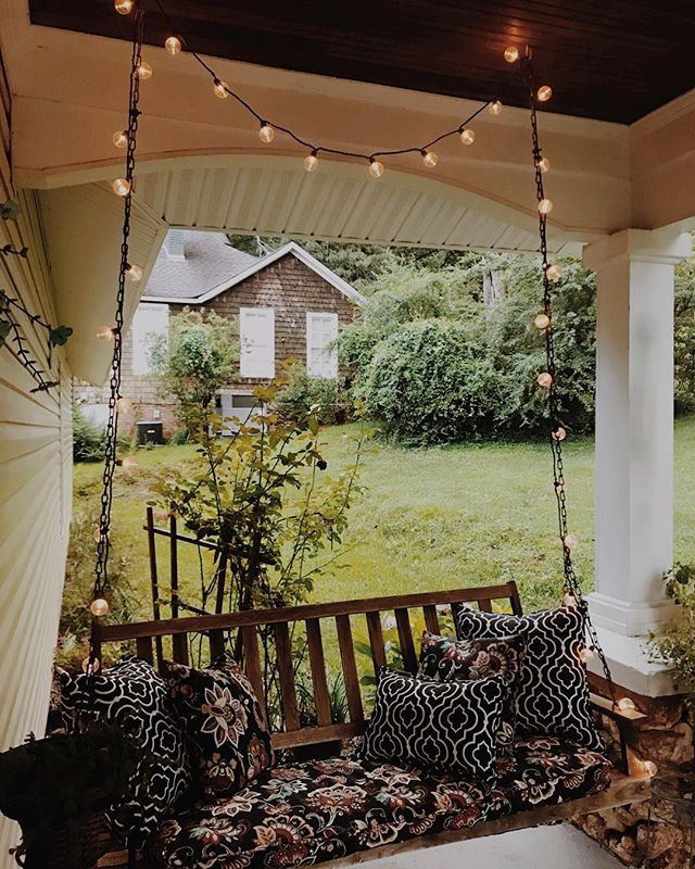 Southern evenings on the porch ✨✨