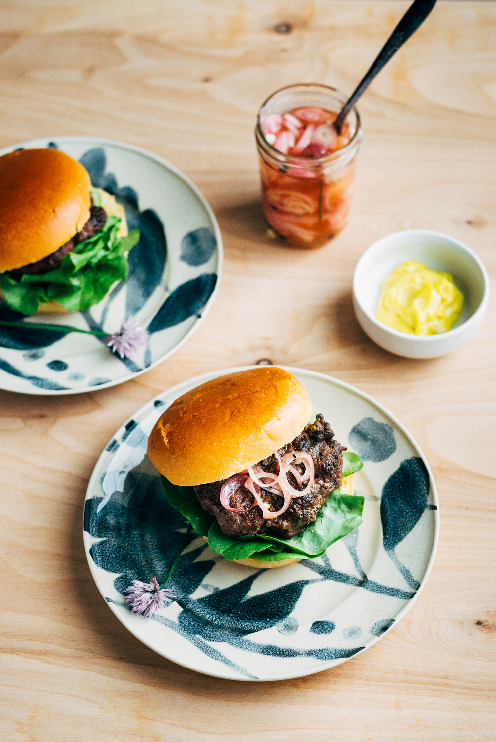 grass-fed-burgers-with-quick-pickled-shallots24.jpg