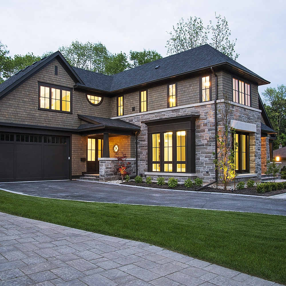 Contemporary New Home  Oakville