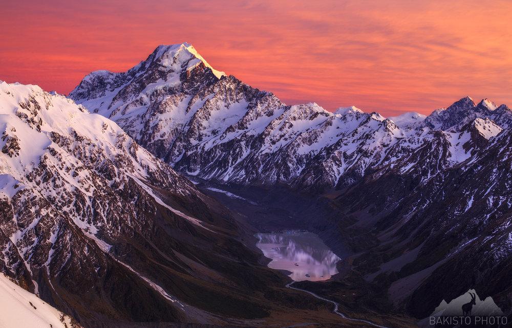 Mount_Cook_Sunrise_Aoraki_NZNEW2000.jpg